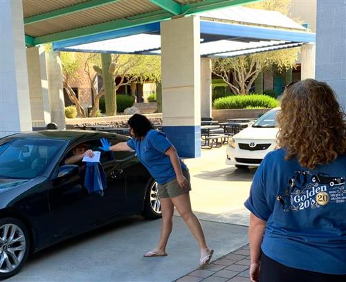 Ironwood Ridge High has curbside pick up for 2020 graduates